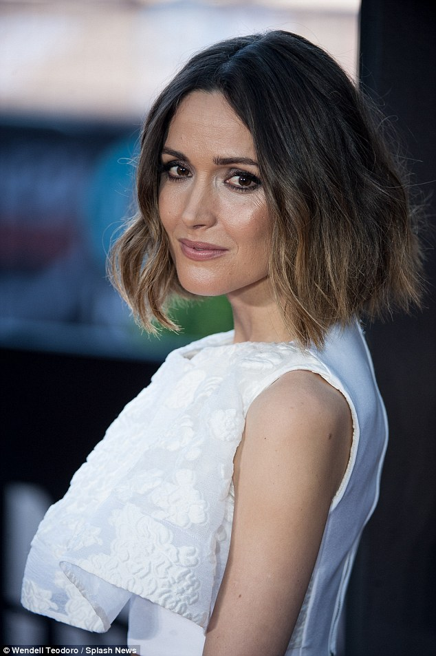 Rose Byrne wavy hair