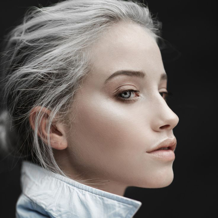 Colour trends for 2016 - Metallic silvery blonde