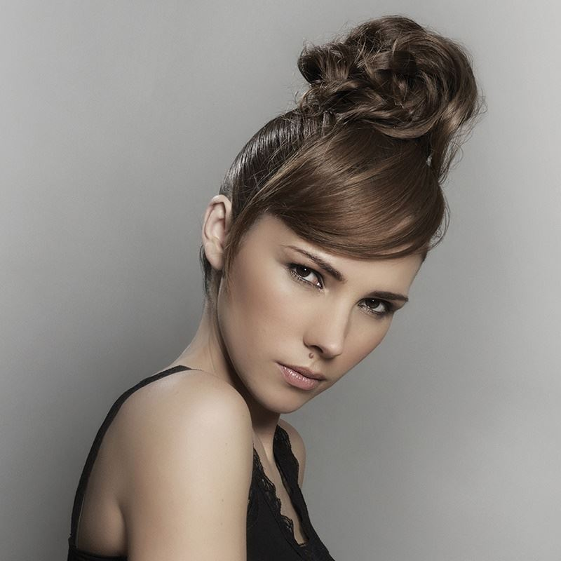Elegant glamour knot