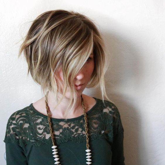 Wavy Bob with Highlights Balayage Short Hair Styles for Women